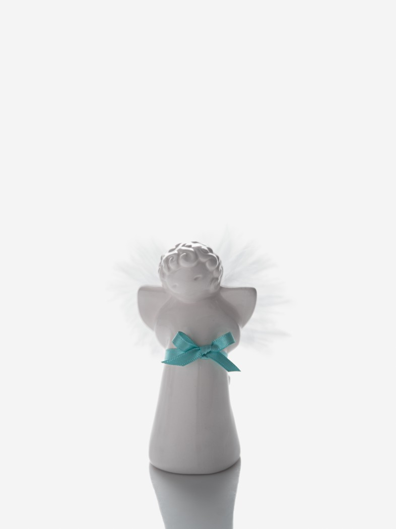 Little angel with hands on back
